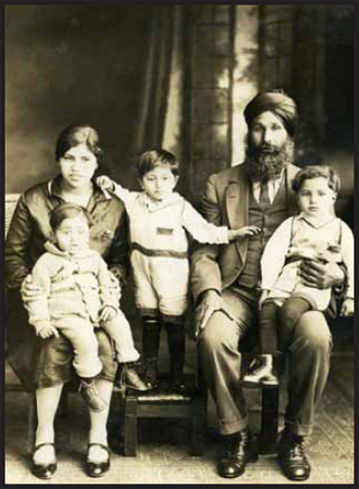 Puna Singh and Nand Kaur with their 3 young children